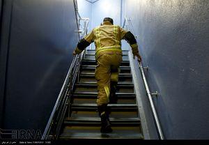 مسابقه پله نوردی آتش نشان ها در برج میلاد