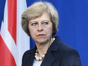 ترزا مِی: دوست اتحادیه اروپا باقی میمانیم