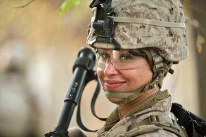 انتشار صدها عکس نامناسب از تفنگداران دریایی زن توسط همقطاران مرد
