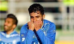 واکنش جنجالی بازیکن استقلالی به فحاشیها +عکس