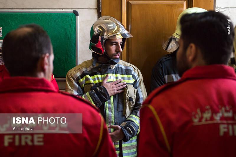 مراسم چهلمین روز شهدای آتش نشان حادثه پلاسکو
