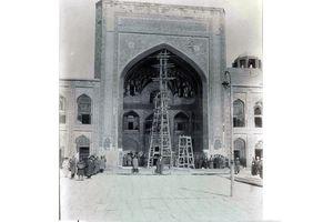 عکس/مرمت حرم امامرضا(ع) در دوره قاجاریه