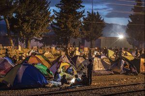 انتظار 12 هزار پناهجو در مرزهای یونان و مقدونیه- گتیایمیجز