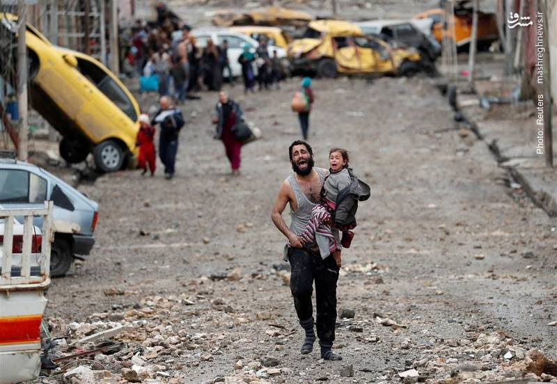 خروج دهها هزار نفر از مناطق جنگزده موصل- رویترز