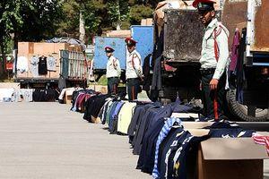 فروش یک میلیاردی پوشاک قاچاق در یک شب/ پای مالها در میان است