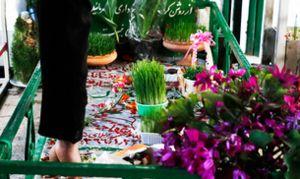 جا به جایی رایگان زائران قطعات شهدا با خودروهای برقی/ توزیع گل و گلاب در میان شهروندان