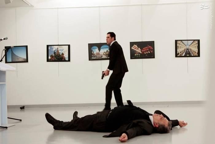 ترور سفیر روسیه حین سخنرانی در نمایشگاهی در آنکارا