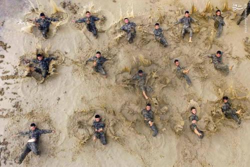 تمرین نیروهای شبه نظامی پلیس در یکی از مناطق خودمختار چین
