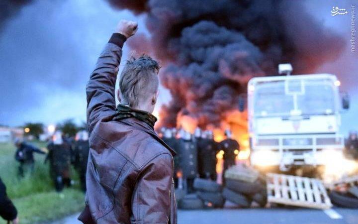 مخالفتها با قانون کار در فرانسه به تعطیلی پالایشگاهها و نیروگاهها و راهبندان خیابانها انجامید