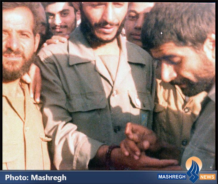 حاج عباس کریمی در کنار شهید حاج همت