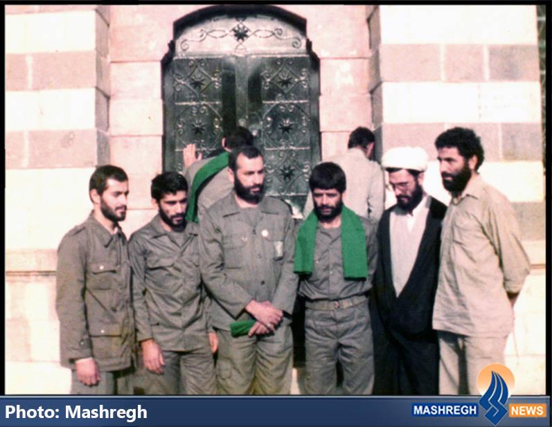 حاج عباس کریمی در کنار شهیدان یدالله کلهر، حاج محمد عبادیان و سید ابراهیم کساییان