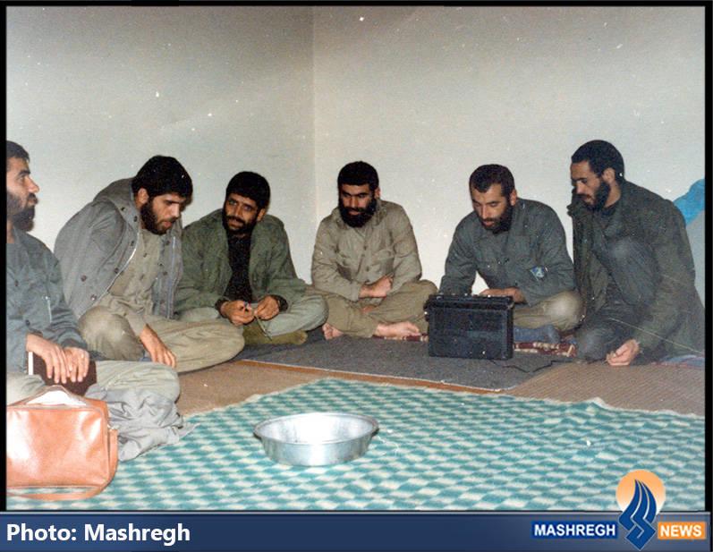حاج عباس کریمی در کنار شهیدان سید محمدرضا دستواره، حاج محمد عبادیان و حاج سعید مهتدی