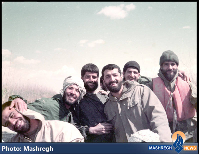 حاج عباس کریمی در جمع همرزمان