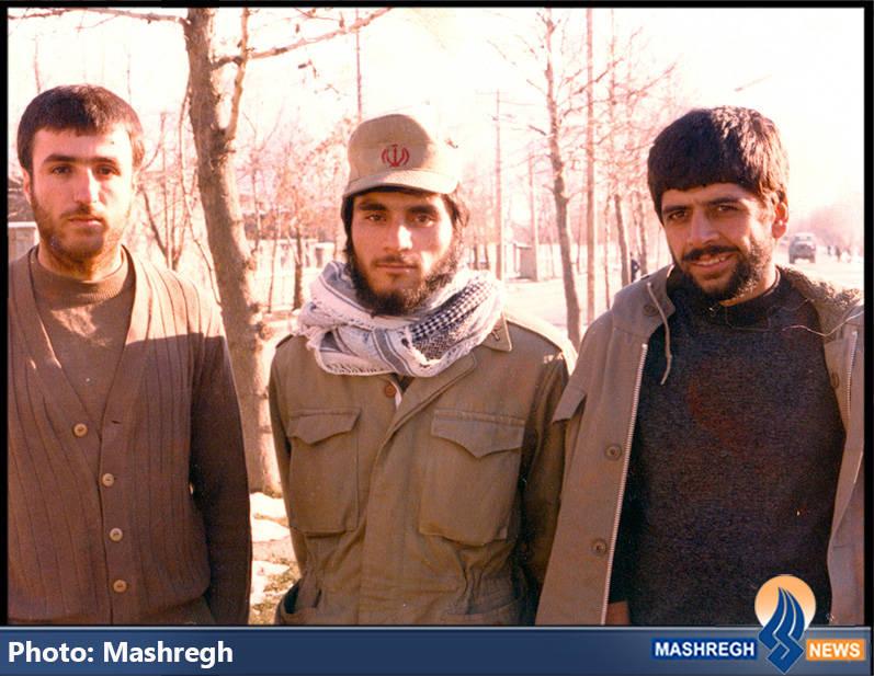 حاج عباس کریمی (نفر اول از راست)