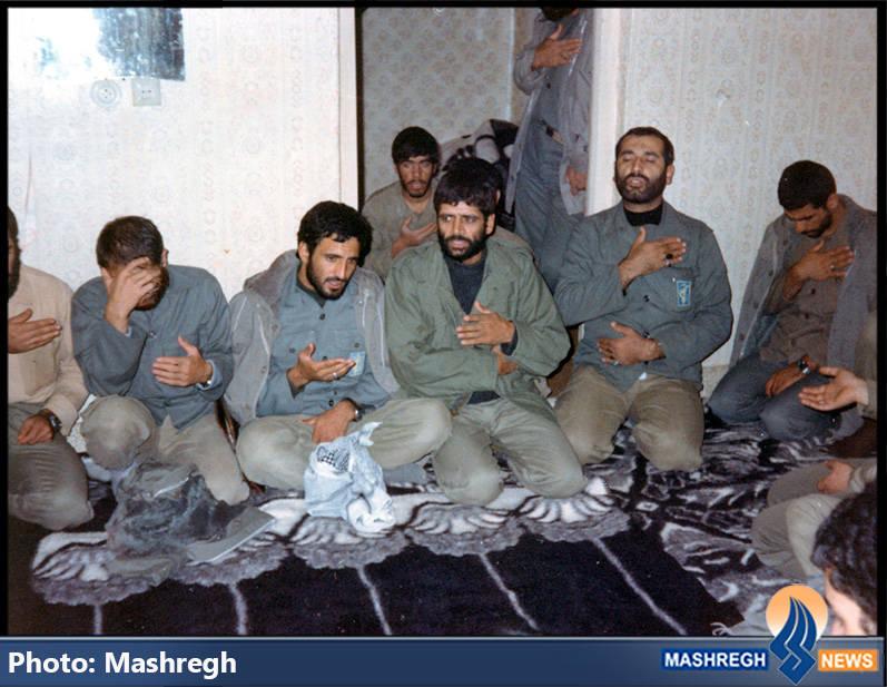 حاج عباس کریمی و شهید حاج محمد عبادین(نفر دوم از راست)