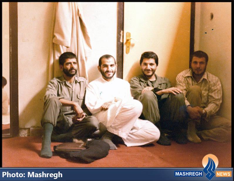 حاج عباس کریمی در کنار محمدباقر قالیباف(نفر اول از راست) و حجت الاسلام بشردوست(با لیاس سفید)