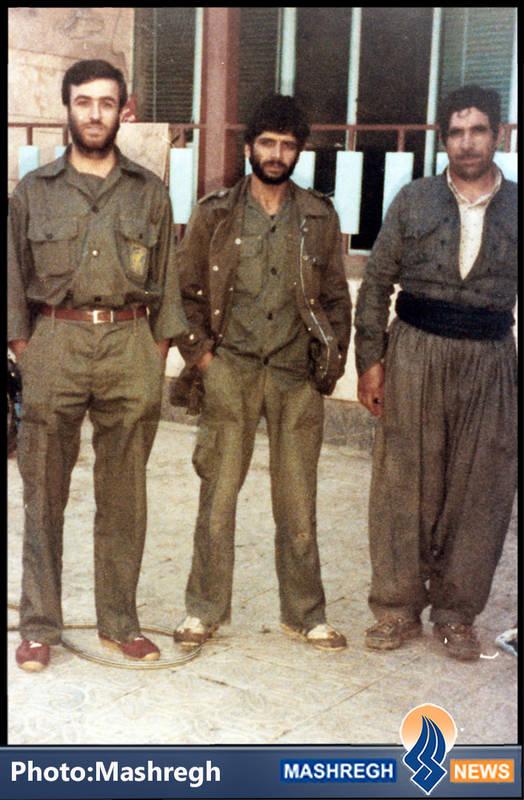 حاج عباس کریمی قهرودی(نفر وسط)