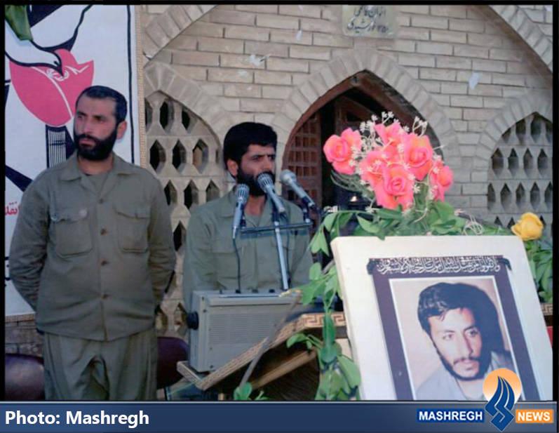 حاج عباس کریمی و شهید حاج محمد عبادیان در مراسم شهادت حاج همت