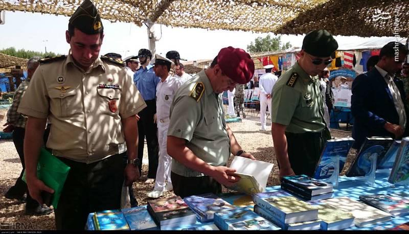 حضور وابستگان نظامی سفارت 22 کشور در نمایشگاه راهیان نور