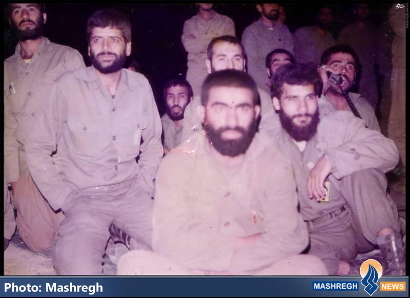 حاج عباس کریمی در کنار شهیدان حاج محمد عبادیان و حاج سعید مهتدی(نفر جلویی)