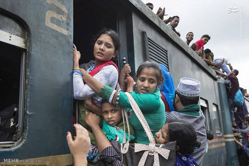 عکس/ جابجایی متفاوت با قطار در بنگلادش