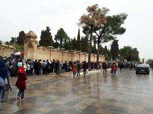 عکس/ صف ۱۰۰متری برای بازدید حافظیه شیراز
