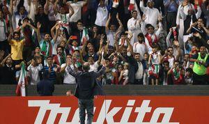 عکس/ تشکر کیروش از تماشاگران ایرانی