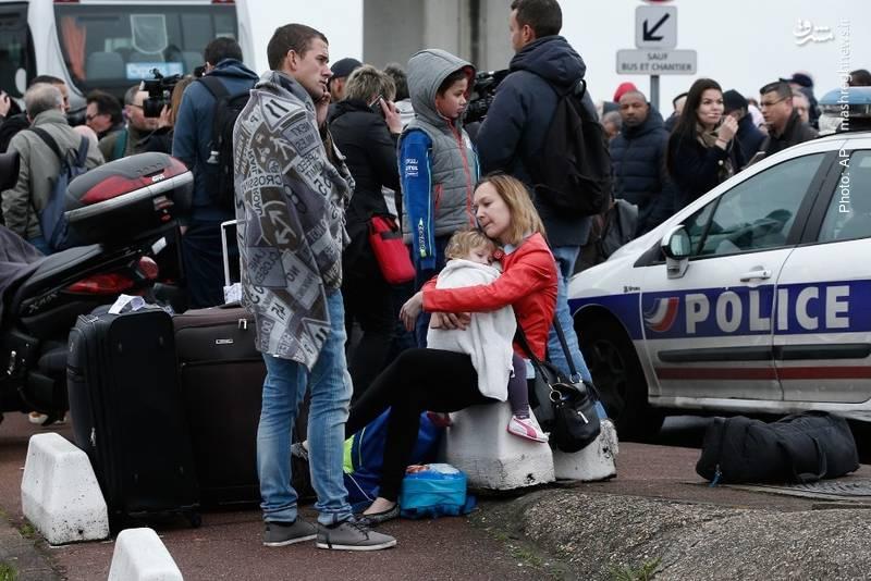 تخلیه فرودگاه پاریس پس از ربودهشدن اسلحه یک پلیس توسط عامل تروریستی