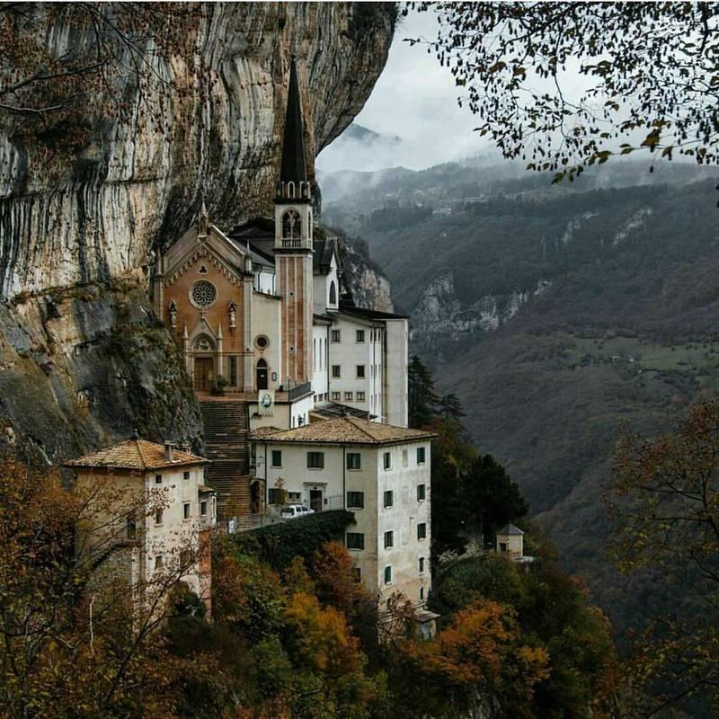 عکس/ یکی از زیباترین قلعه های دنیا