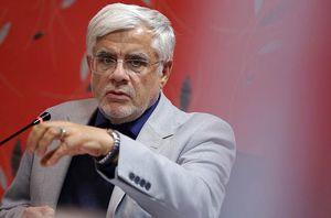 عارف: لق کردن وزرا و وزارتخانهها به صلاح نیست