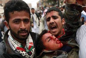کشته و زخمی شدن ۱۴ نفر در حمله هوایی عربستان به مأرب