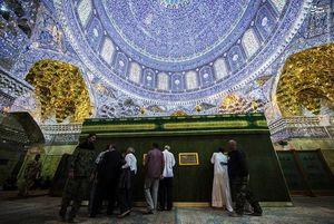 نمایی زیبا از زیر قبه حرم عسکریین (ع)