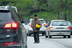 عکس/ معضل متکدیان خارجی در جاده هراز
