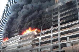 مهار آتش سوزی بزرگ در آسمانخرانشی در دبی
