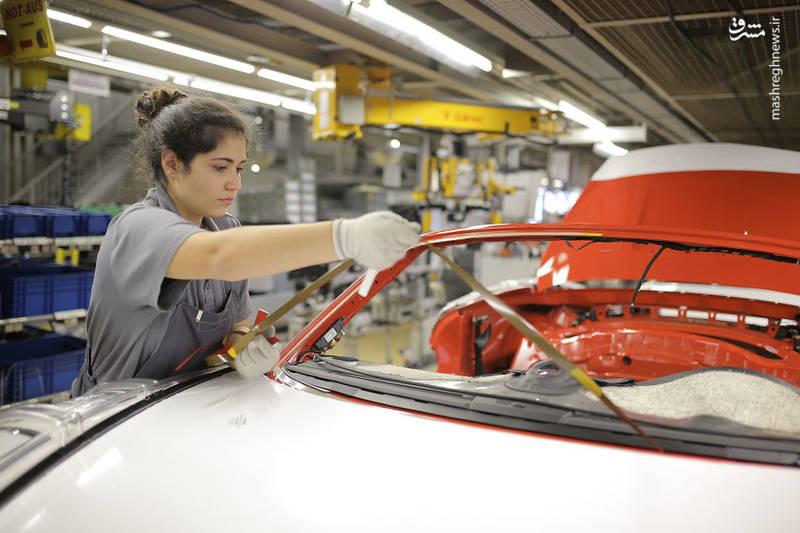 کارخانه خودروسازی پورشه در شهر اشتوتگارت آلمان