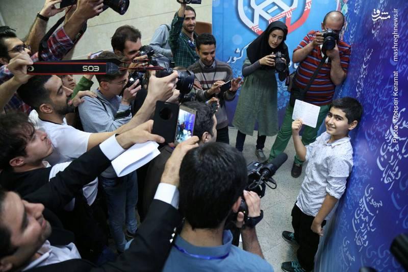 کودکی که از ثبت نام ریاست جمهوری بازماند