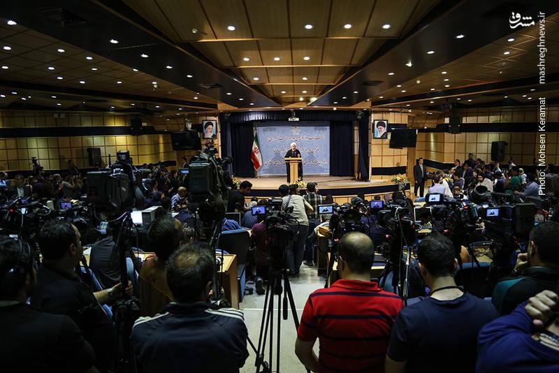 حاشیه های چهارمین روز ثبت نام انتخابات ریاست جمهوری