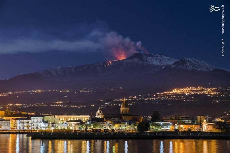 فعالیت کوه اِتنا در نزدیکی مناطق مسکونی سیسیل ایتالیا