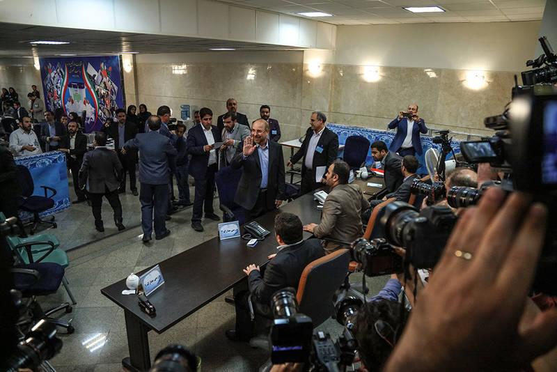 حاشیه های آخرین روز ثبت نام انتخابات ریاست جمهوری