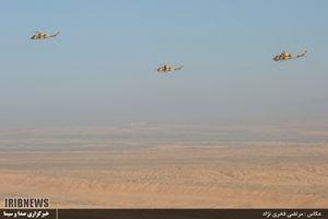 رژه بالگرد های هوانیروز در روز ارتش