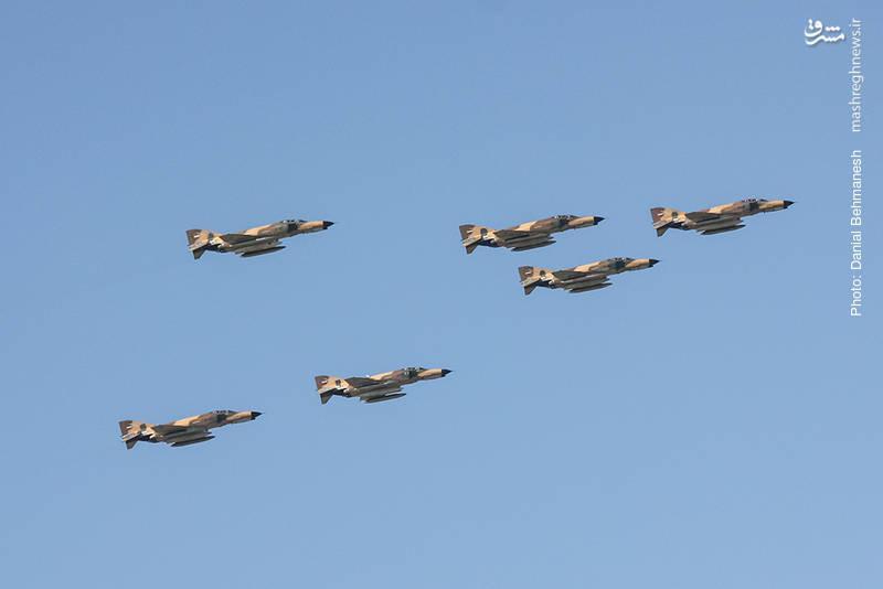 دسته شش فروندی جنگنده بمب افکن های F-4E فانتوم