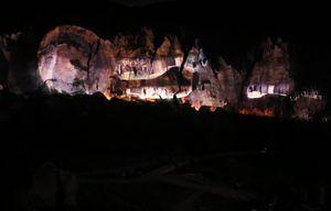 تصاویر/ بزرگترین غار نمایش 3 بعدی جهان