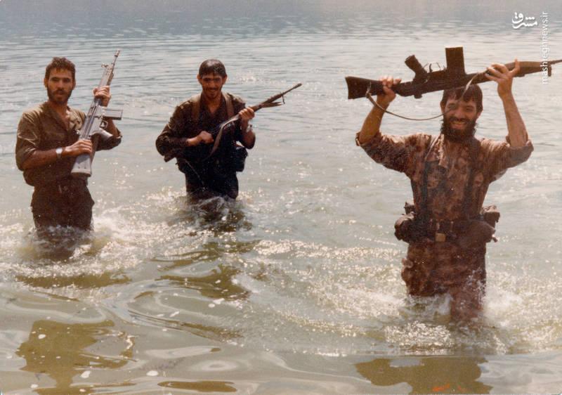 از راست: شهید رضا چراغی، شهید سید محمدرضا دستواره، ابوالحسن قدبیگی