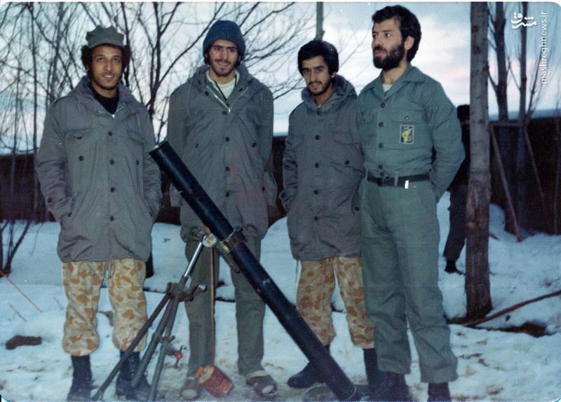 از راست: شهید رضا چراغی، شهید حسن زمانی، شهید سید محمدرضا دستواره، ناشناخته
