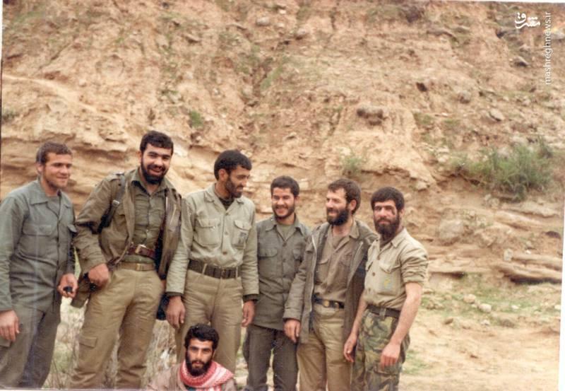شهید رضا چراغی(نفر دوم از راست)، حاج احمد متوسلیان(نفر سوم از چپ)، تقی رستگار مقدم(نفر اول از چپ)