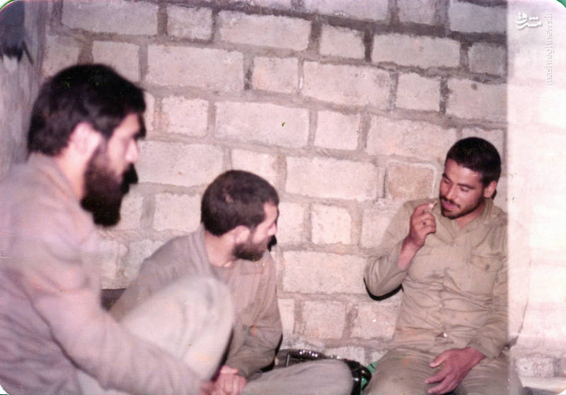 جعفر جهروتی زاده(نفر سمت راست و شهید رضا چراغی(نفر وسط)