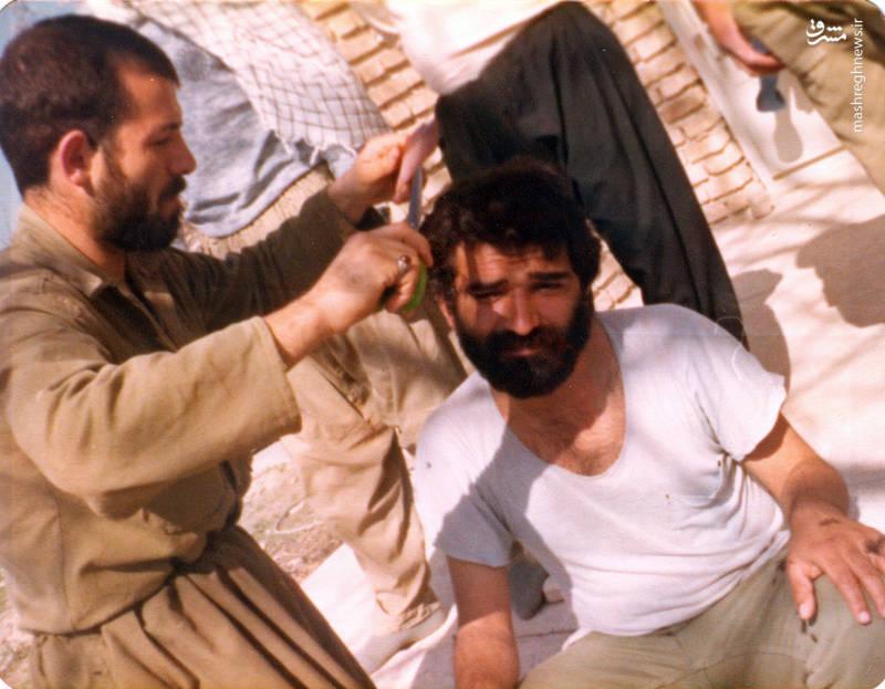 شهید رضا چراغی (نفر سمت چپ)
