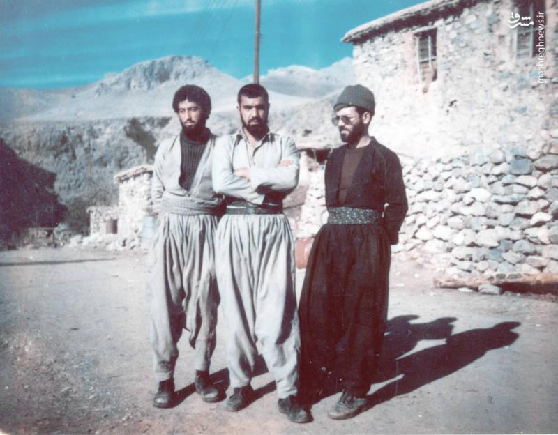 از راست: شهید رضا چراغی، علی چرخکار، ناشناخته