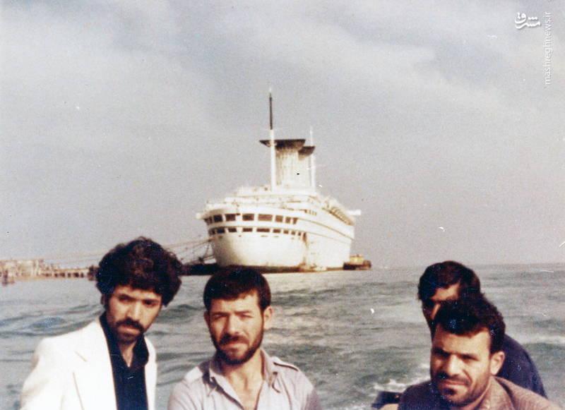 رضا چراغی(نفر دوم از چپ)