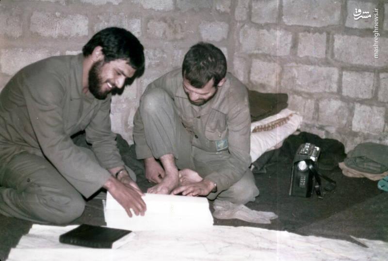 شهید رضا چراغی(نفر سمت راست)